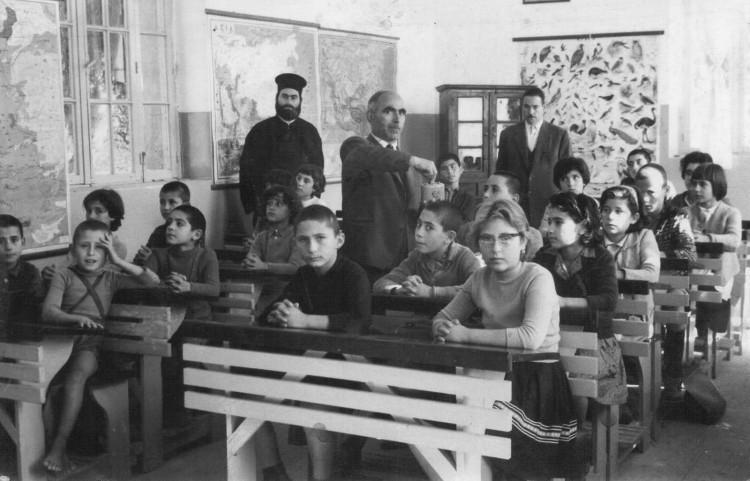 Αποτέλεσμα εικόνας για παλιες φωτογραφίες για το σχολειο